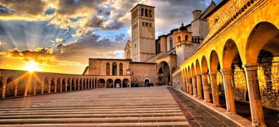 Assisi: camera Standard in mezza pensione e massaggio opzionale per 2 persone presso l'Agriturismo Il Noceto