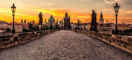 4* Prague: 2 nights + flights