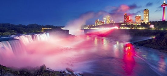 £77 -- 4-Star Marriott Niagara Falls Stay w/Extras, Reg. £106