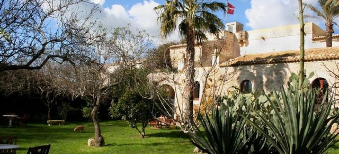 €51 per persona a per notte | Eremo Della Giubiliana, Contrada Giubiliana, Sicilia