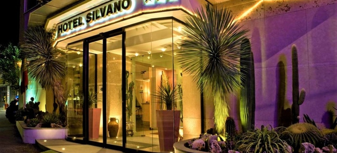 Diano Marina, Imperia: camera doppia o tripla per 2 o 3 persone con colazione presso l'Hotel Silvano