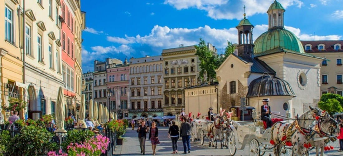 ✈ Krakow and Budapest, Prague or Warsaw: 4 or 6 Nights at a Choice of Hotels with Flights and Transfers*