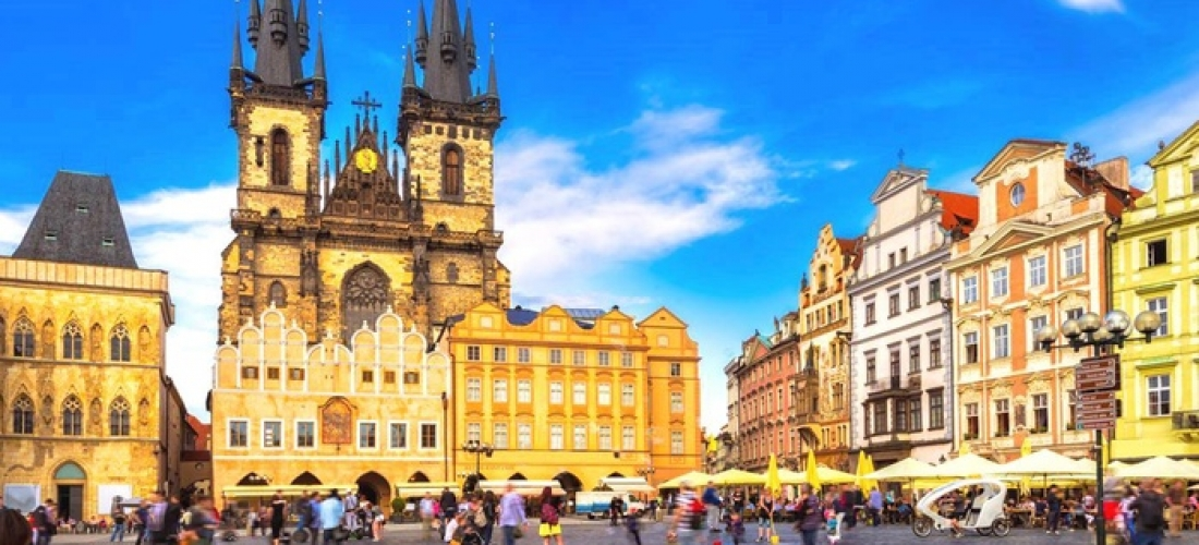 Prague: Double Room Room for Two with Breakfast, City Map, Water and Sweets at 4* Design Merrion Hotel